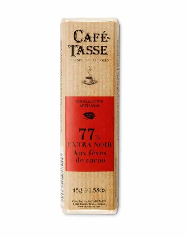 barre-de-chocolat-noir-77-avec-feves-de-cacao